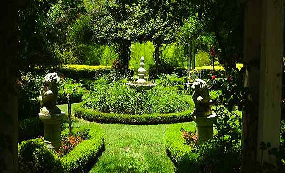 Nursery & Gardens